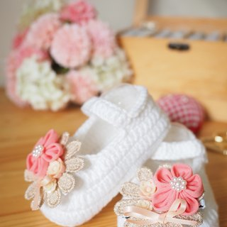 Baby Shoes with hair clips gift set