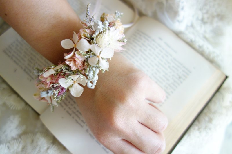 Wedding Floral Series ~ Elegant Pink Wrist Flower / Bridesmaids / Girlfriends / Bridal Wrist Flowers