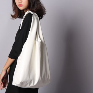 white - signature tote bag