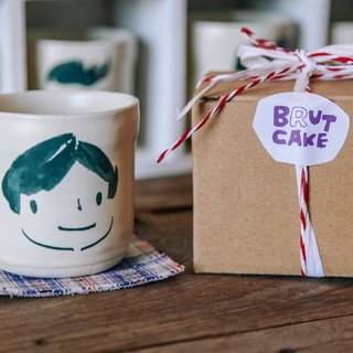 Brut Cake handmade ceramic – smiley face mug 280ml (21) , hand drawn face pottery cup. A great gift idea !