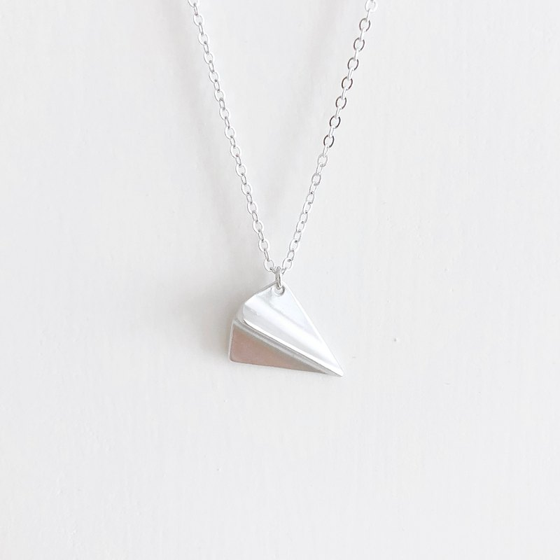 銀飛機。紙飛機 項鍊 Sliver。Paper Airplane Necklace