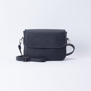 Round Rounded Side Backpack Black / Wild Black
