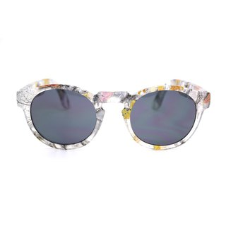 Fashion Eyewear - Sunglasses Sunglasses / Doreen Defoliation