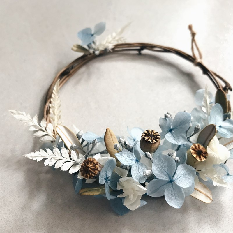 [Hypotheli small wreath - sky blue] dry flowers. Everlasting flowers. Not withered