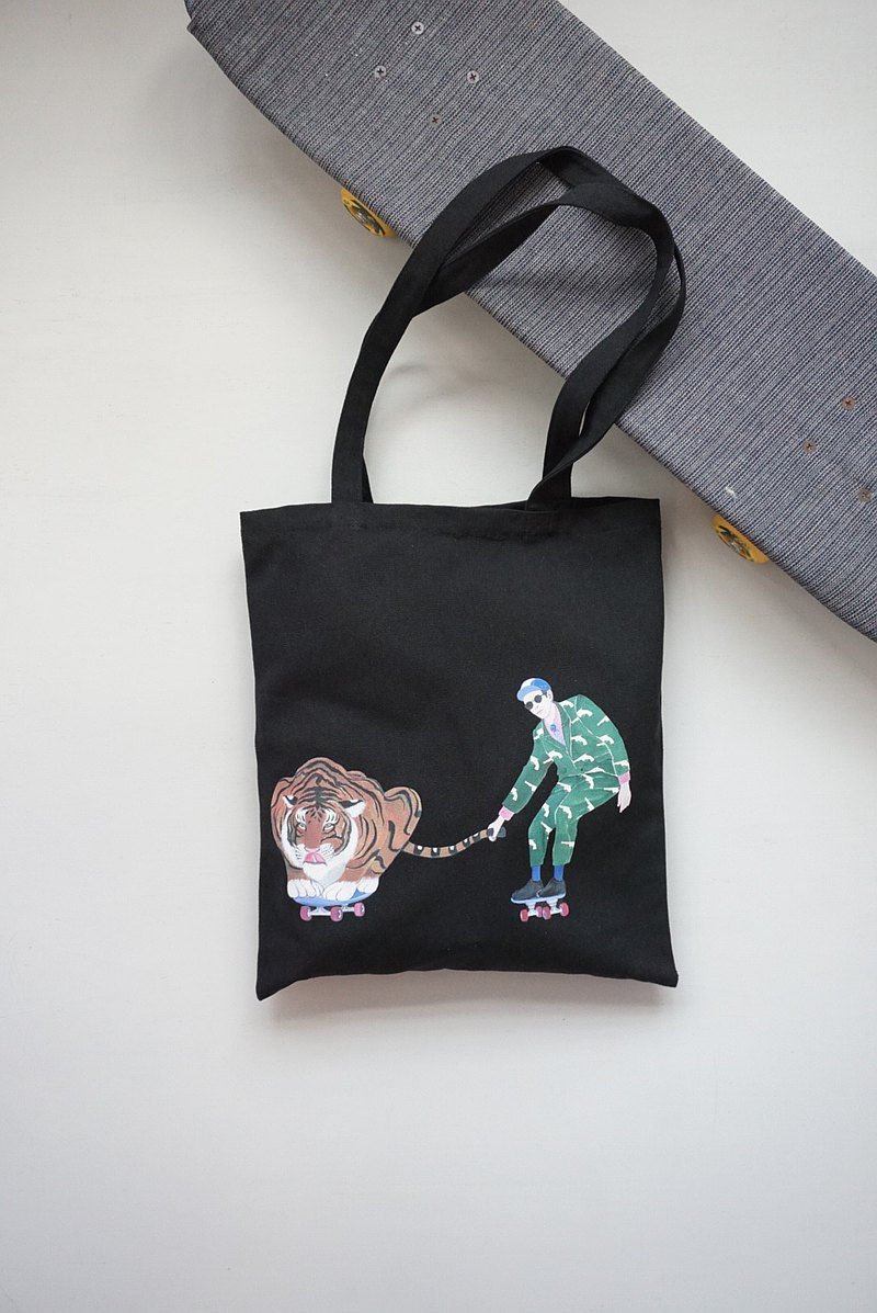 "Playing Tiger Skate Boy ""Tote Bags"