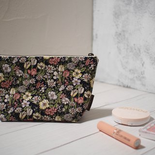 Daily series cosmetic bag / storage bag / limited edition handmade bag / small daisy / stock supply