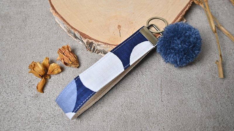 毛球吊飾/鑰匙圈 緹花藍點