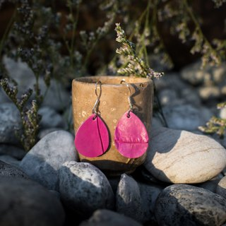 Genuine crocodile leather earring in pink (Sterling silver)