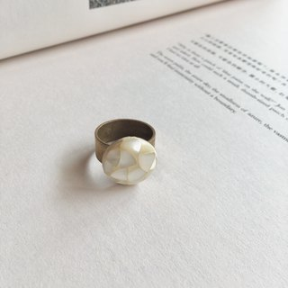 Fossil she shell ring