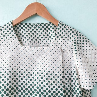 ... {acorn girl :: ancient coat} green and white impression wind short sleeves shirt