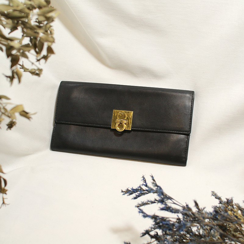 Back to Green:: salvatore ferragamo vintage wallet