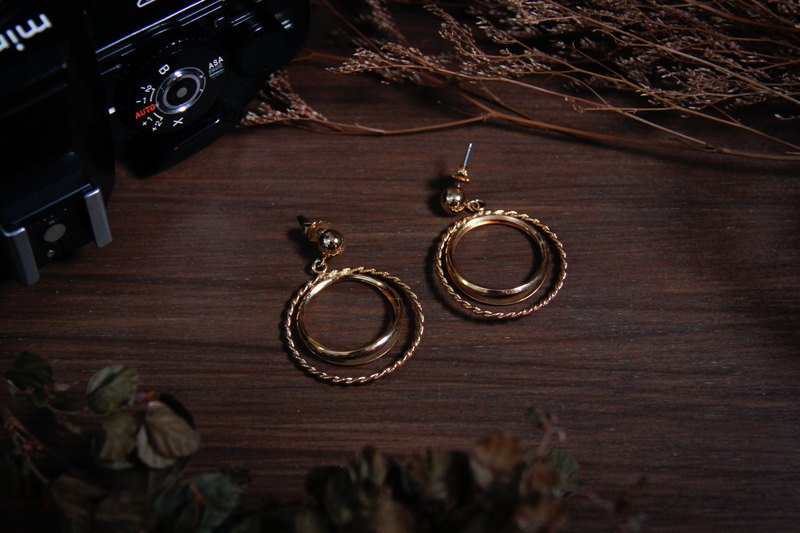 [Antique Accessories/Western Old] Rare American AVON Golden Circle Twist Drop Pin Earrings