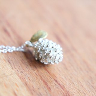 <☞ HAND IN HAND ☜> Silver - Small pine cones necklace (0811)