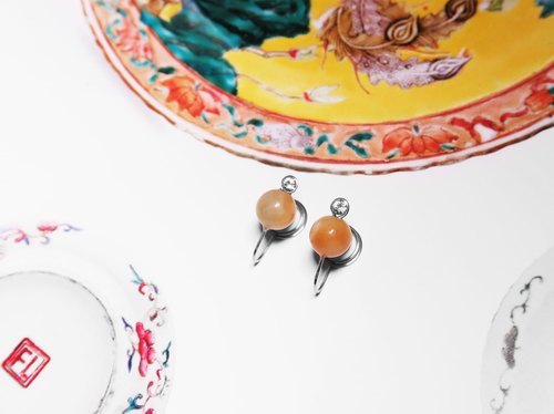 Cover Sweet Honey Series | Flower Amazon Cadmium Orange Stainless Steel Clip Earrings