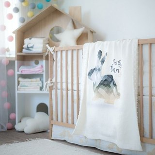 Linen quilt with bunny print