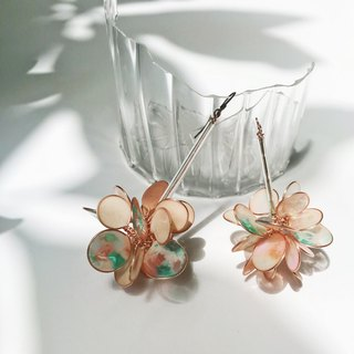 <Flora> Unilateral shape handmade resin earrings / hanging models / earring / accessories