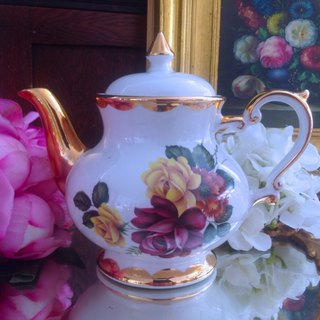 Annie crazy antiquities British pottery country style series hand-painted rose high flower teapot coffee pot cute