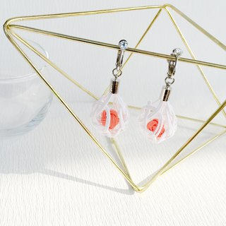 Collar and a round basket ball watering earrings white × coral