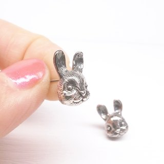 Ebony [Rabbit Babe earrings] a pair