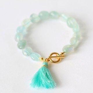 Aquamarin bracelet - irregularaquamarine toggle clasp 18k gold plated tassel