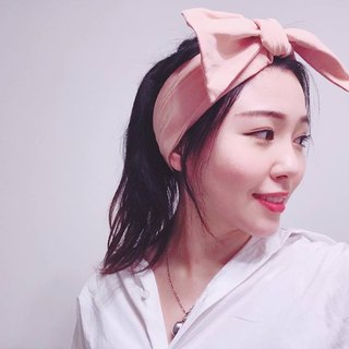 Pink bubble gum wide elastic bandage hair band manual hair band limited hair band