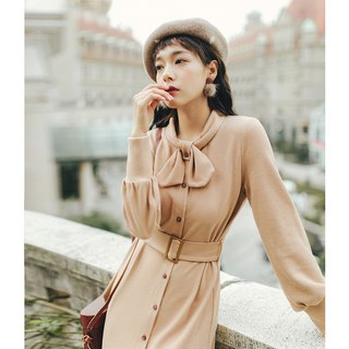 2018 autumn and winter women's new solid color handmade wind knit dress dress