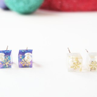 * Rosy Garden * Square shape snow flakes resin earrings Purple and White