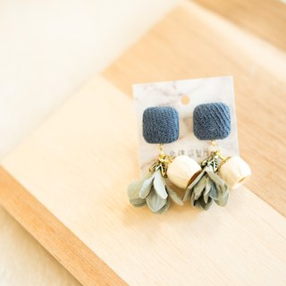Shenlou [dark blue flower skirt x white amber fruit] fruit earrings | autumn new