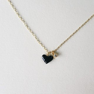 plump black heart & bijou necklace