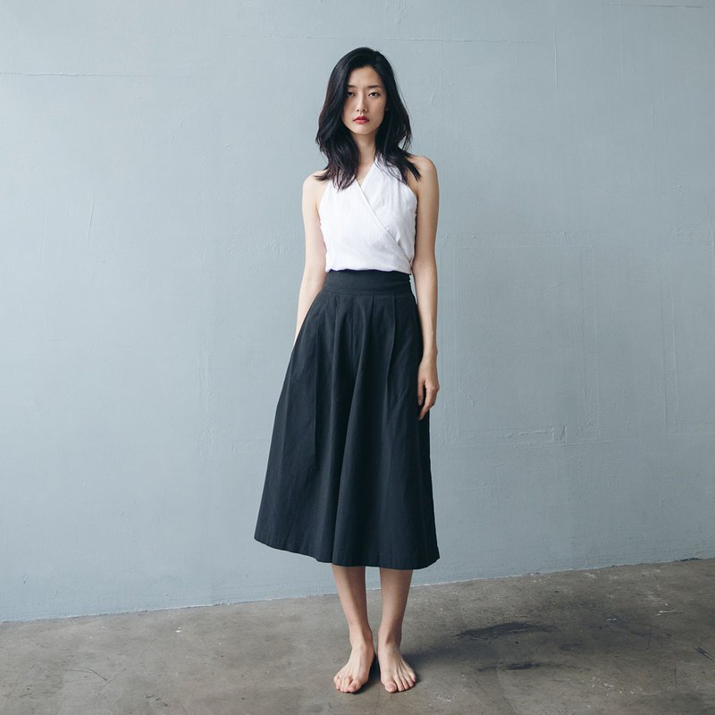 Short Pleated Wide Pants - Black