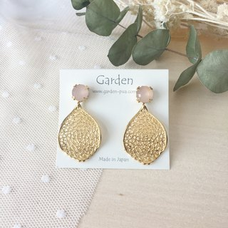 Leaf earrings pink