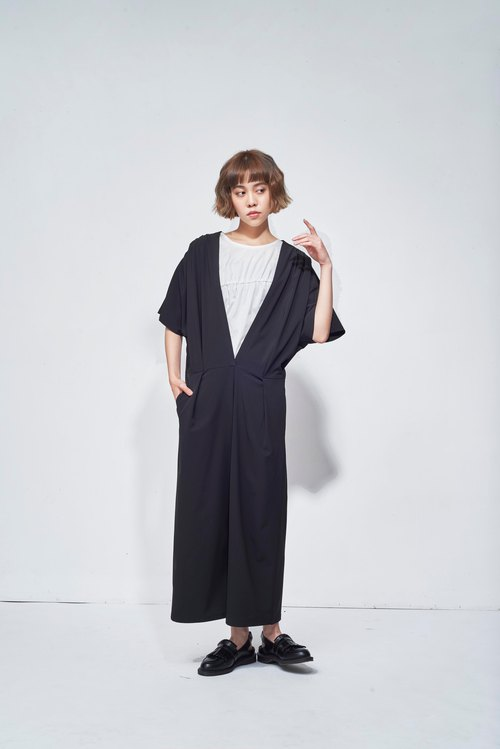 8 lie down . Open V Sleeve Ruffled Jumpsuit