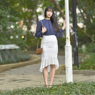 Mu Xi: Silver wave point fishtail skirt