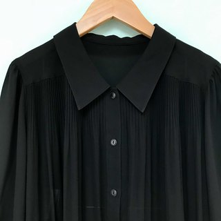 Top / Black Long-sleeves Blouse