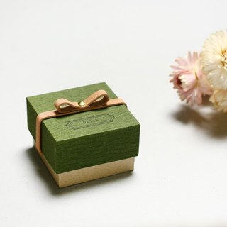 Relax // Moss green) Giftbox Leather ribbon 気持ちを伝える小さな箱