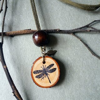 Hand-painted necklace / pendant (dragonfly)