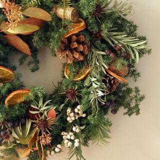 Spice red wine Christmas wreath Christmas gift exchange gift table can take their own