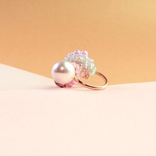 Planet - Peach. Mini pearl ring