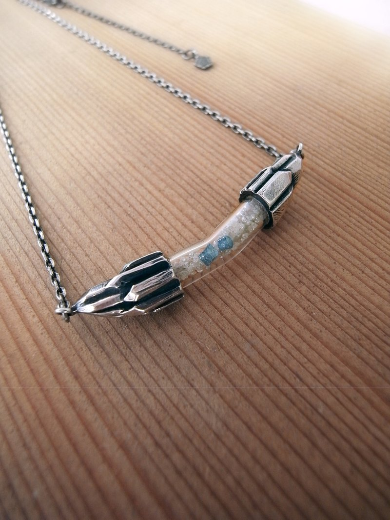 Dream container silver necklace