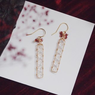 Swanlace warm white crystal long strip hand-wound 14kgf gold earrings / ear clip