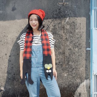Cat 喵喵 scarf - black red plaid