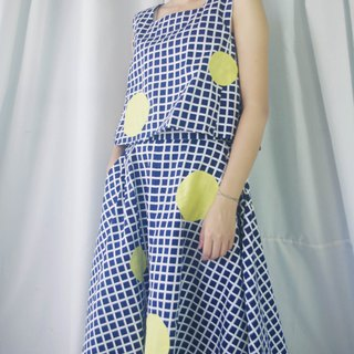 Design hand made - the moon came blue and white plaid full moon five-point skirt / wide shoulder vest