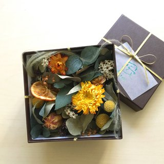 Autumn breeze gift box flower dry flower
