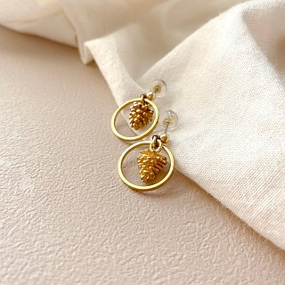 Gold pinecorn-brass earrings