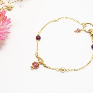 . Strawberry Sheng generations. Strawberry Strawberry Quartz crystal x brass bracelet Garnet Valentine customized gold