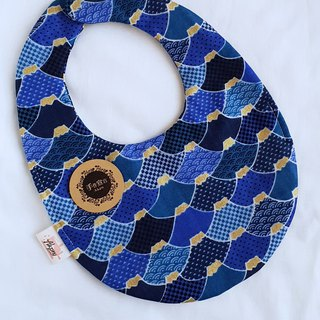 Japanese style and handle - Fuji Mountain - Blue - Eight Layers of 100% cotton double-sided egg-shaped bib