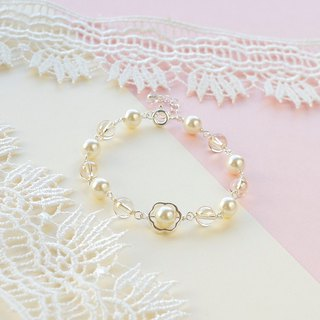 Bridal bracelet / pearly beads and crystals / wedding jewelry