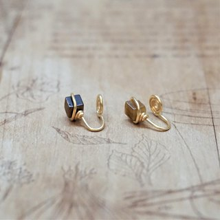 << Gold wire frame ear clip - Tiger eye stone >> 4mm square tiger eye stone (other ear needle model)
