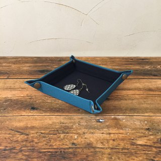 Multi tray minicellarian blue made with new canvas