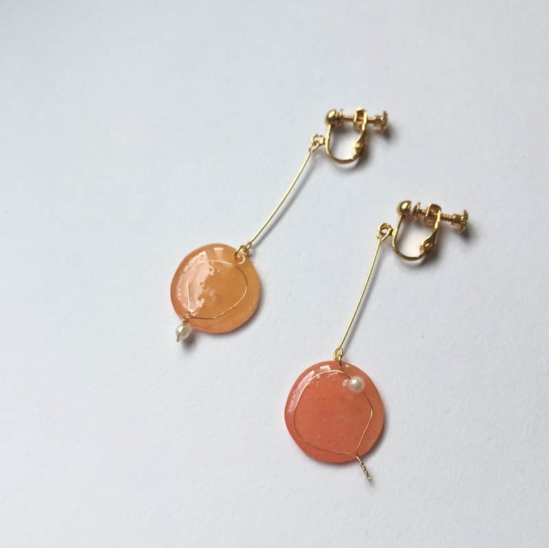Balloon clip/needle earrings